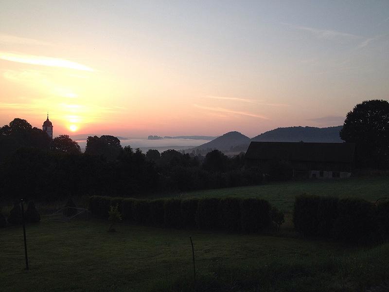 Sonnenaufgang am Landhaus Böhmer